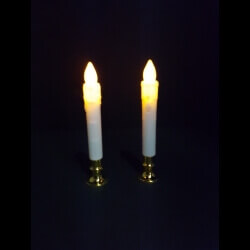 צמד נרות דמויי שעווה