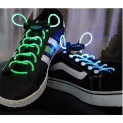 שרוכים מאירים לנעליים