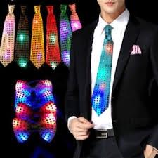 עניבה מאירה