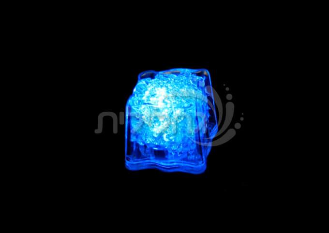 12 קוביות קרח מאירות