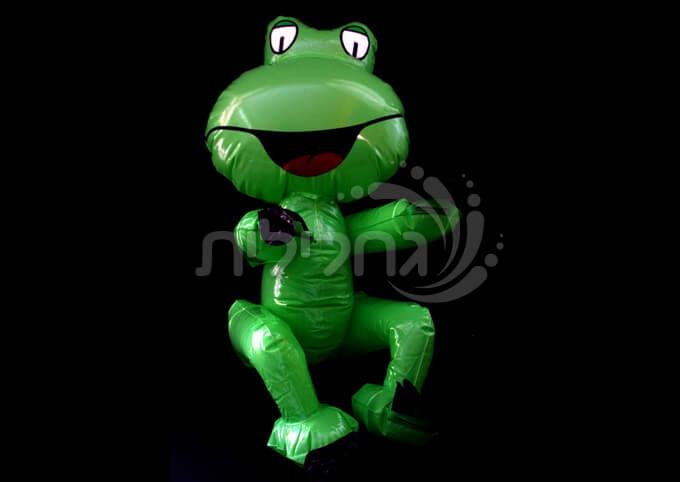 צפרדע מתנפחת יושבת