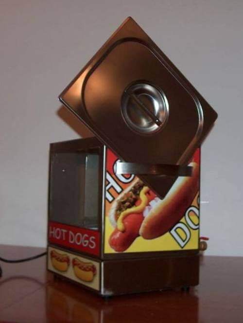 מכונת נקניקיות להשכרה - Hot Dog Machine